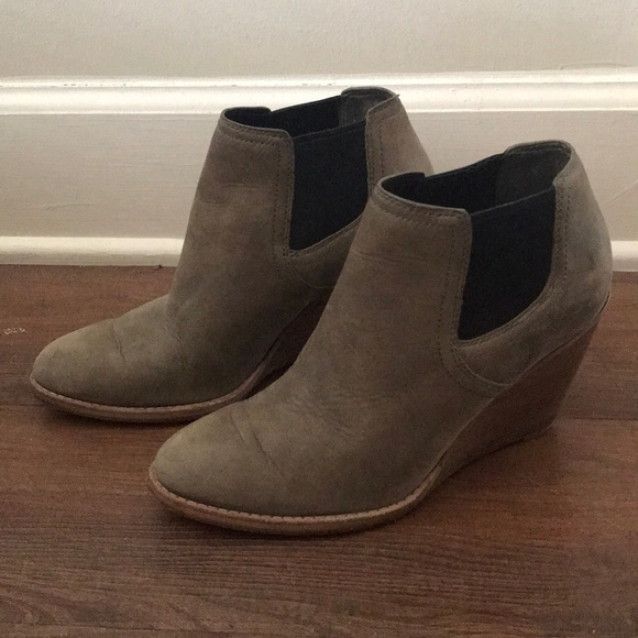 Cole Haan Shoes - Cole Haan Bootie. Size:8